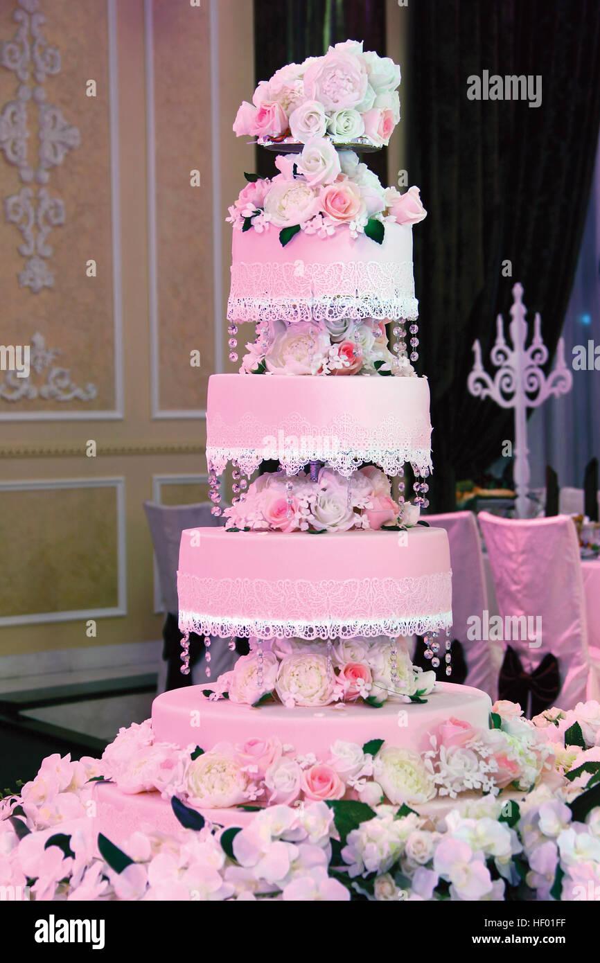 Expensive Wedding Cake Stock Photos & Expensive Wedding Cake Stock ...