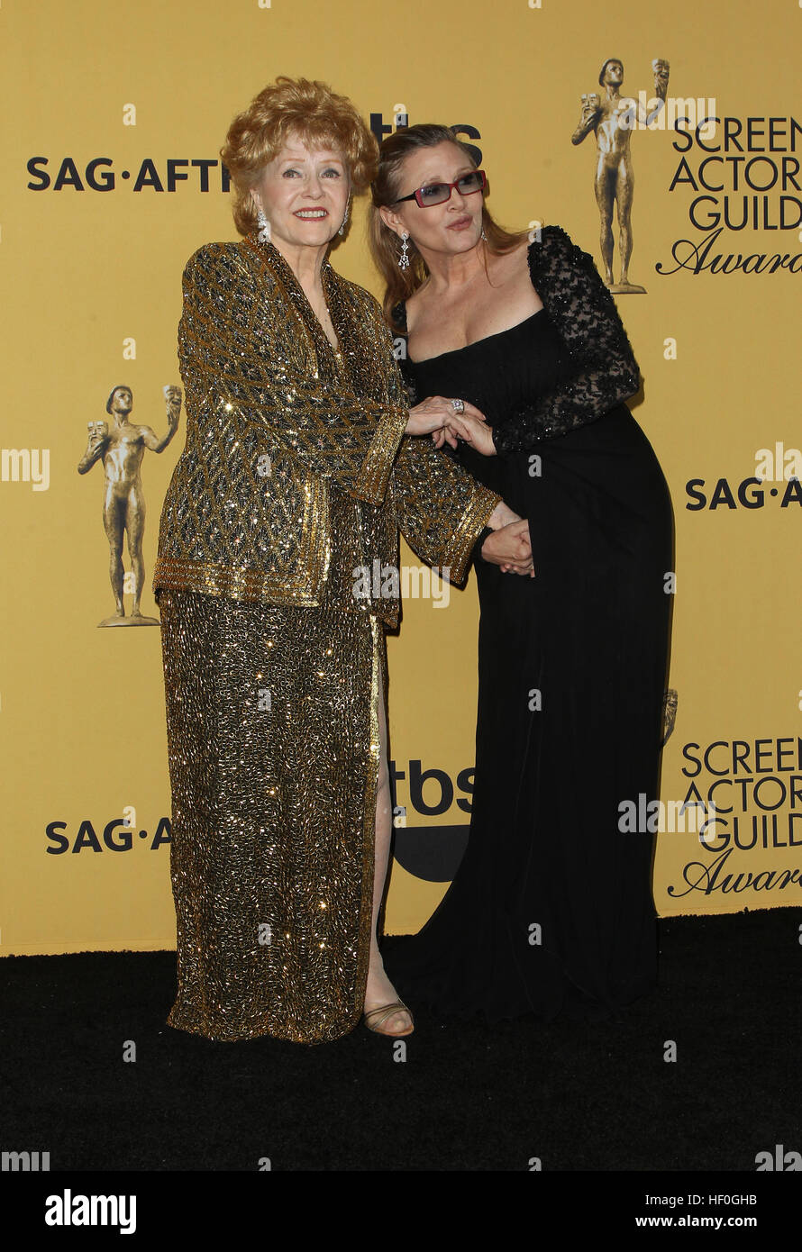 Los Angeles, Ca, USA. 25th Jan, 2016. Debbie Reynolds, Carrie Fisher at the 21st Annual SAG Awards Press Room in - Stock Image