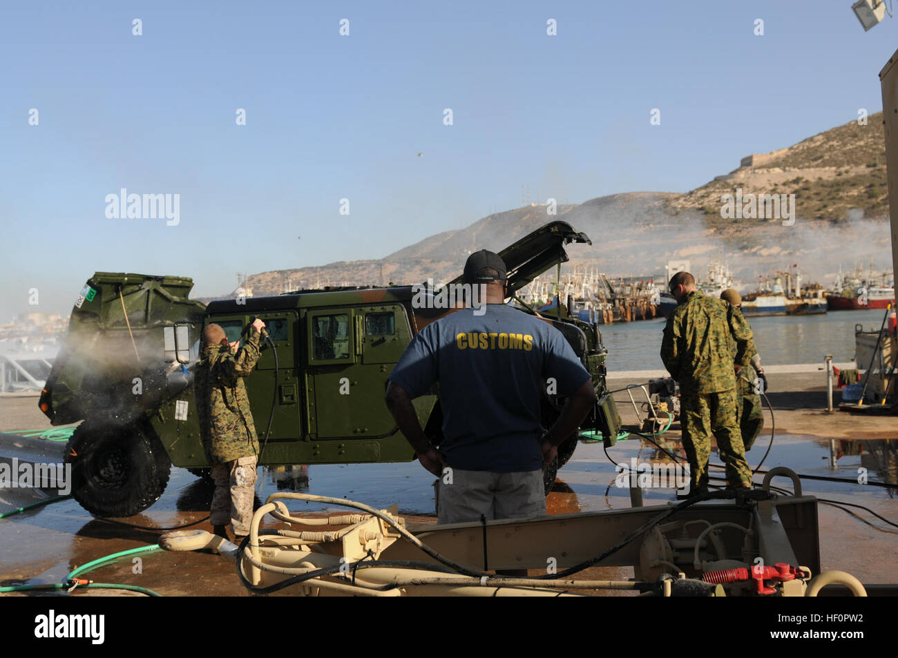 Members Of The 14th Marine Regiment Out Of Fort Worth Texas And Stock Photo Alamy