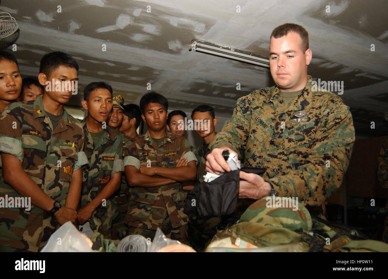 050502-0596N-220 Sattahip, Thailand (May 2, 2005) - Petty Officer 1st Class Matthew J. Leonard shows an emergency - Stock Image