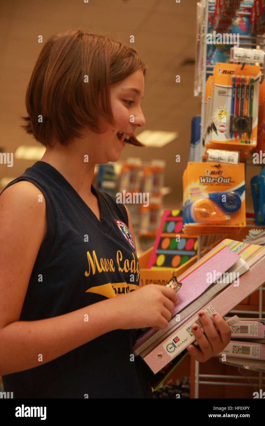 MARINE CORPS AIR STATION CHERRY POINT, N.C. (July 31, 2012) – Isabel Price, 11-years-old, shops for school supplies - Stock Image
