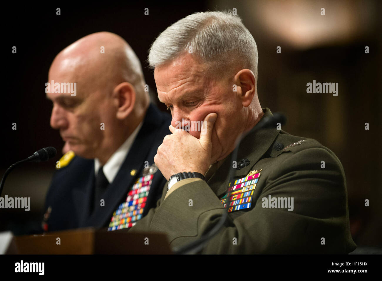 commandant of the marine corps gen james amos and army chief of