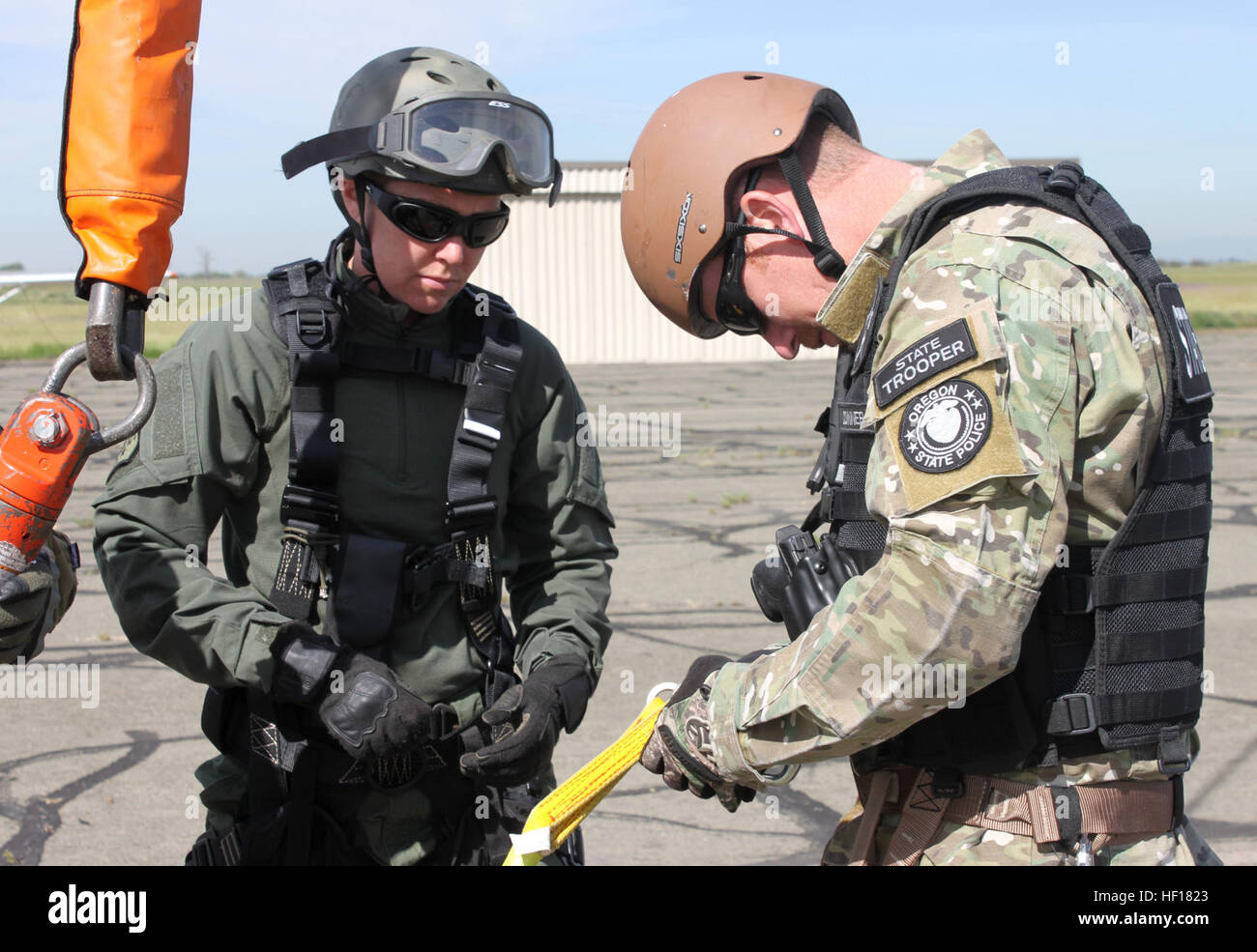 California National Guard Counterdrug Task Force members participate in short-haul helicopter training in the Sacramento - Stock Image