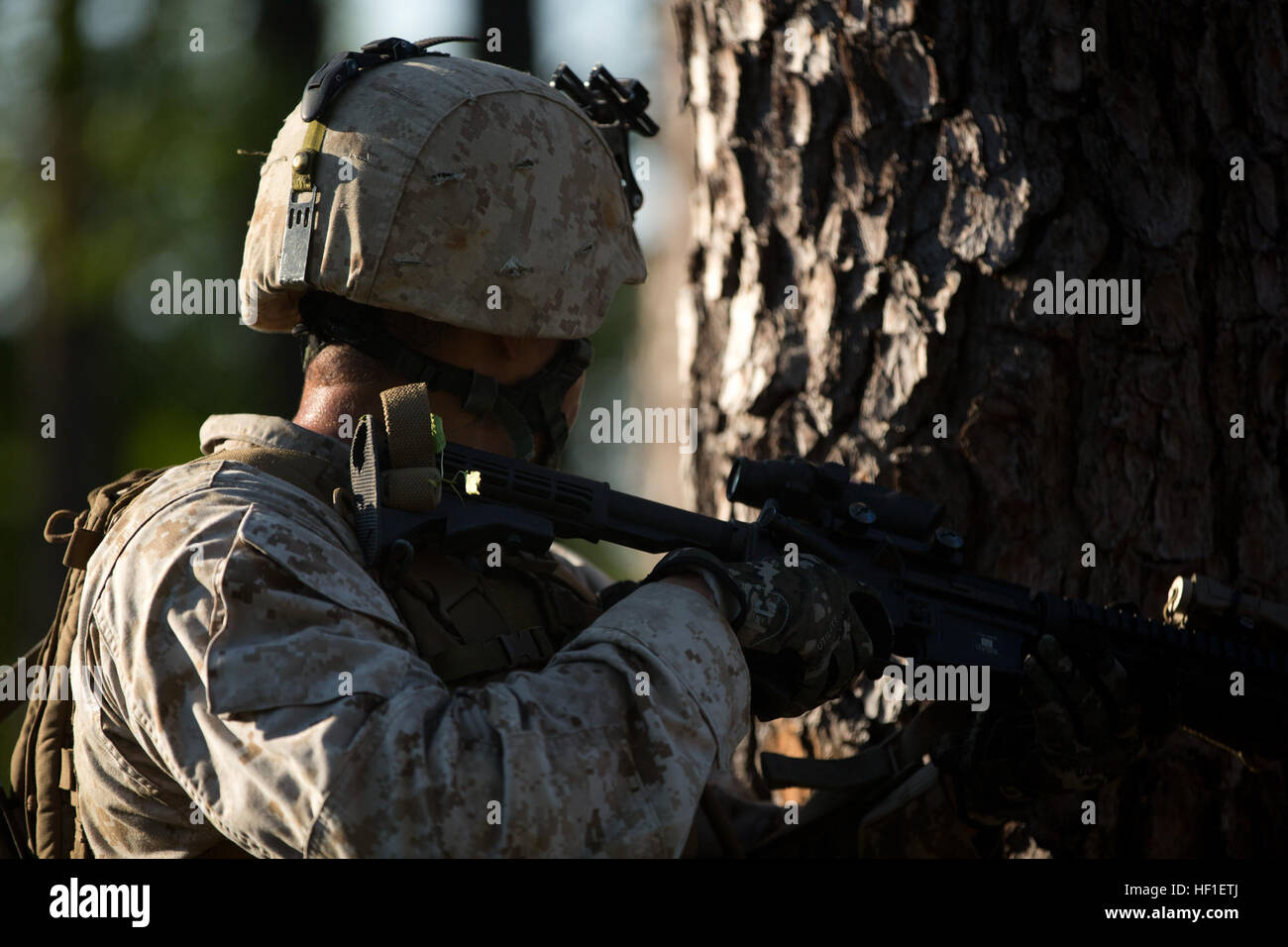 U.S. Marine Staff Sergeant Levi Canty, a student attending the Infantry Unit Leaders Course (IULC) at the Advanced - Stock Image