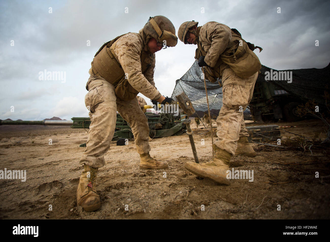U.S. Marine Corps Cpl. Seth M. Selvidge (left), and Cpl. Frank T. Esparza (right) with Alpha Battery, 1st Battalion, - Stock Image