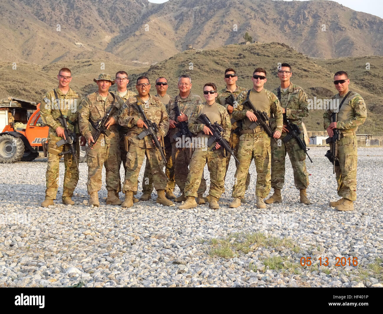 Washington Army National Guard Soldiers from Company E, 1st Battalion, 168th Aviation Regiment, a California Army - Stock Image
