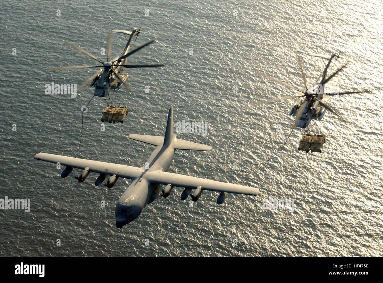 030130-M-0000X-001 Camp Lemonier, Djibouti (Jan. 30, 2003) Ð Two U.S. Marine Corps CH-53E Super Stallion helicopters - Stock Image