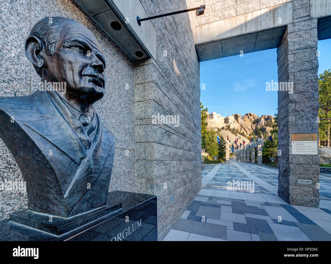 Mount Rushmore National Memorial Visitor's Center with portrait bust of Gutzon Borglum sculptor of Mt Rushmore, - Stock Image