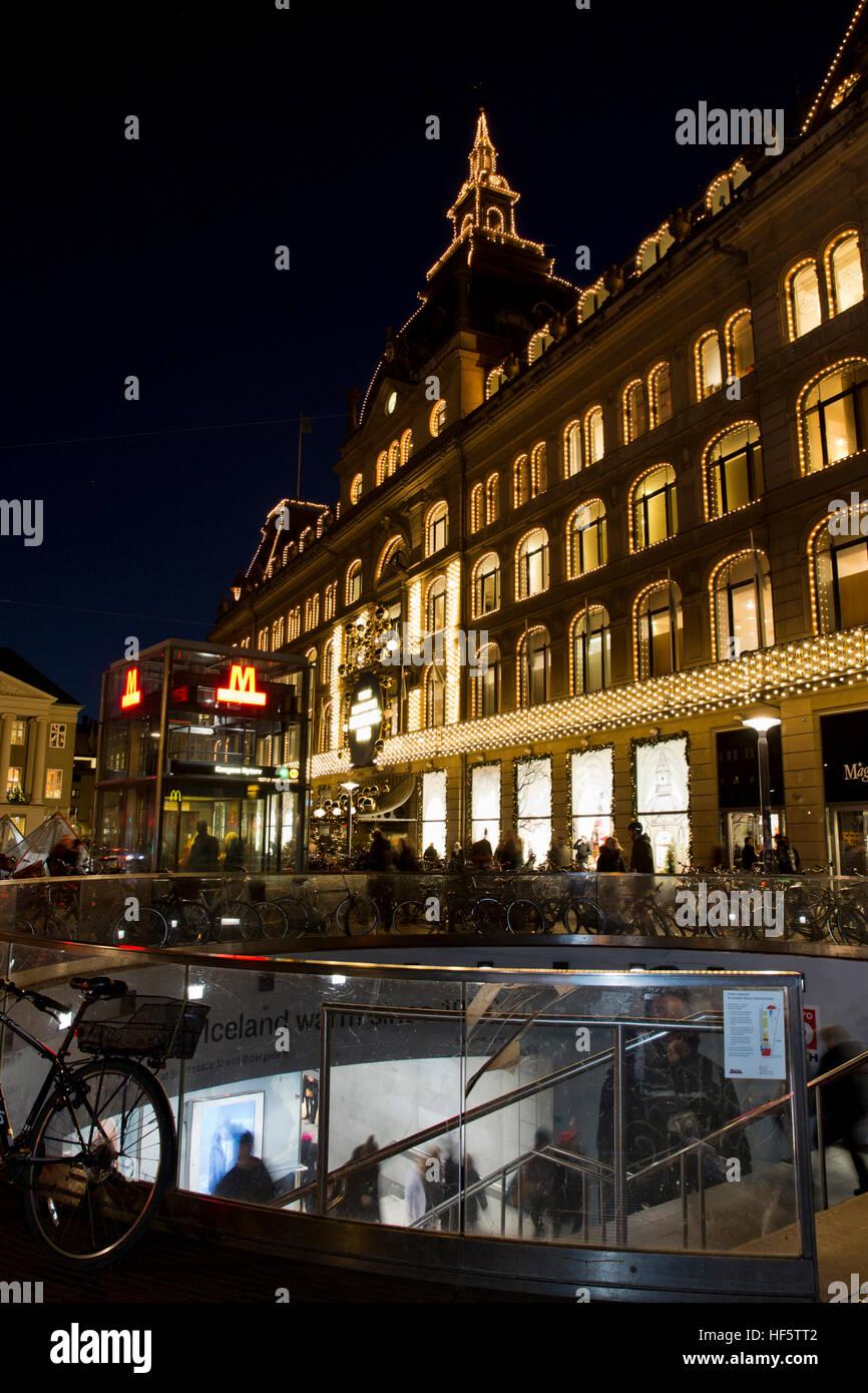 Denmark, Copenhagen, Kongens Nytorv, Metro Station and Magazin du Nord, department store, Christmas illuminations - Stock Image