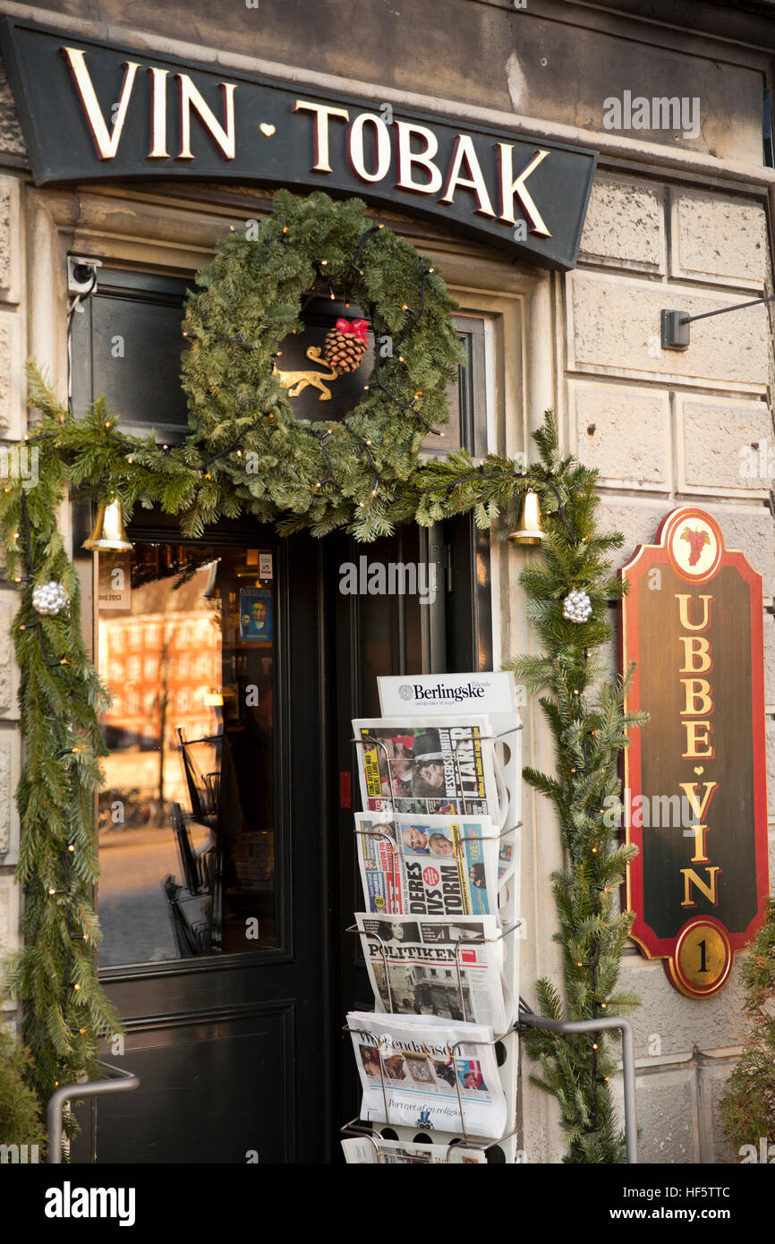 Denmark, Copenhagen, Frederiksholms Kanal, doorway of traditional wine and tobacco shop at Christmas - Stock Image