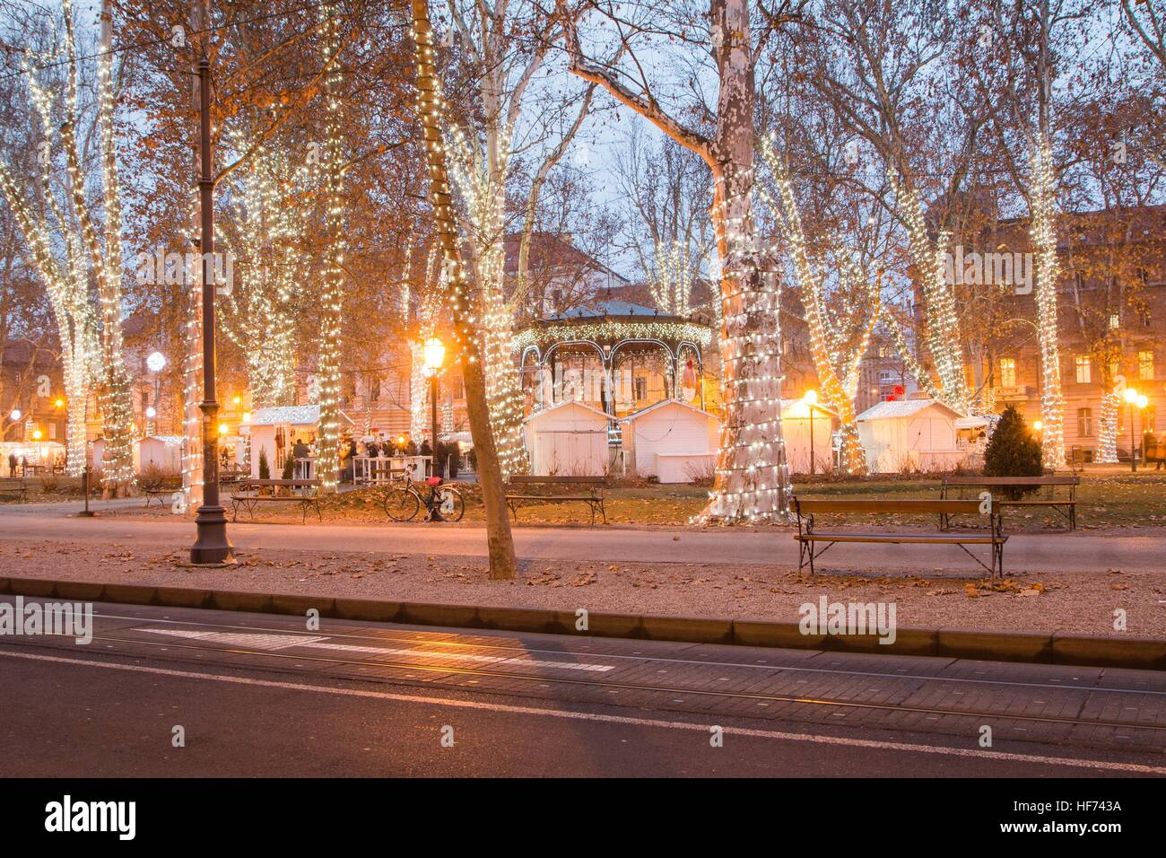 Advent Time In The Center Of Zagreb Croatia People Gathering In Stock Photo Alamy