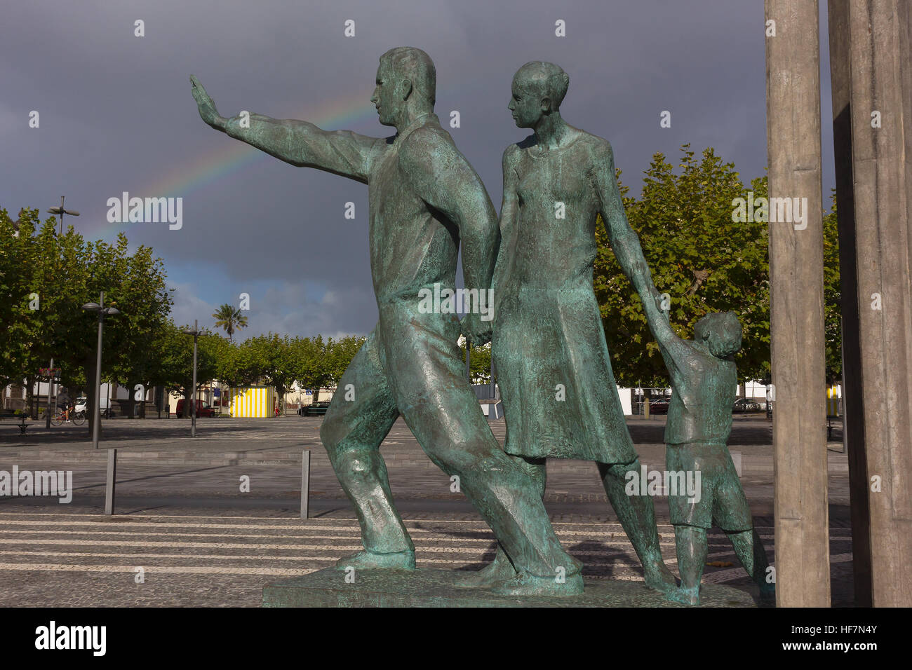 A statue commemorating migrants in Ponta Delgada, Azores, Portugal. - Stock Image