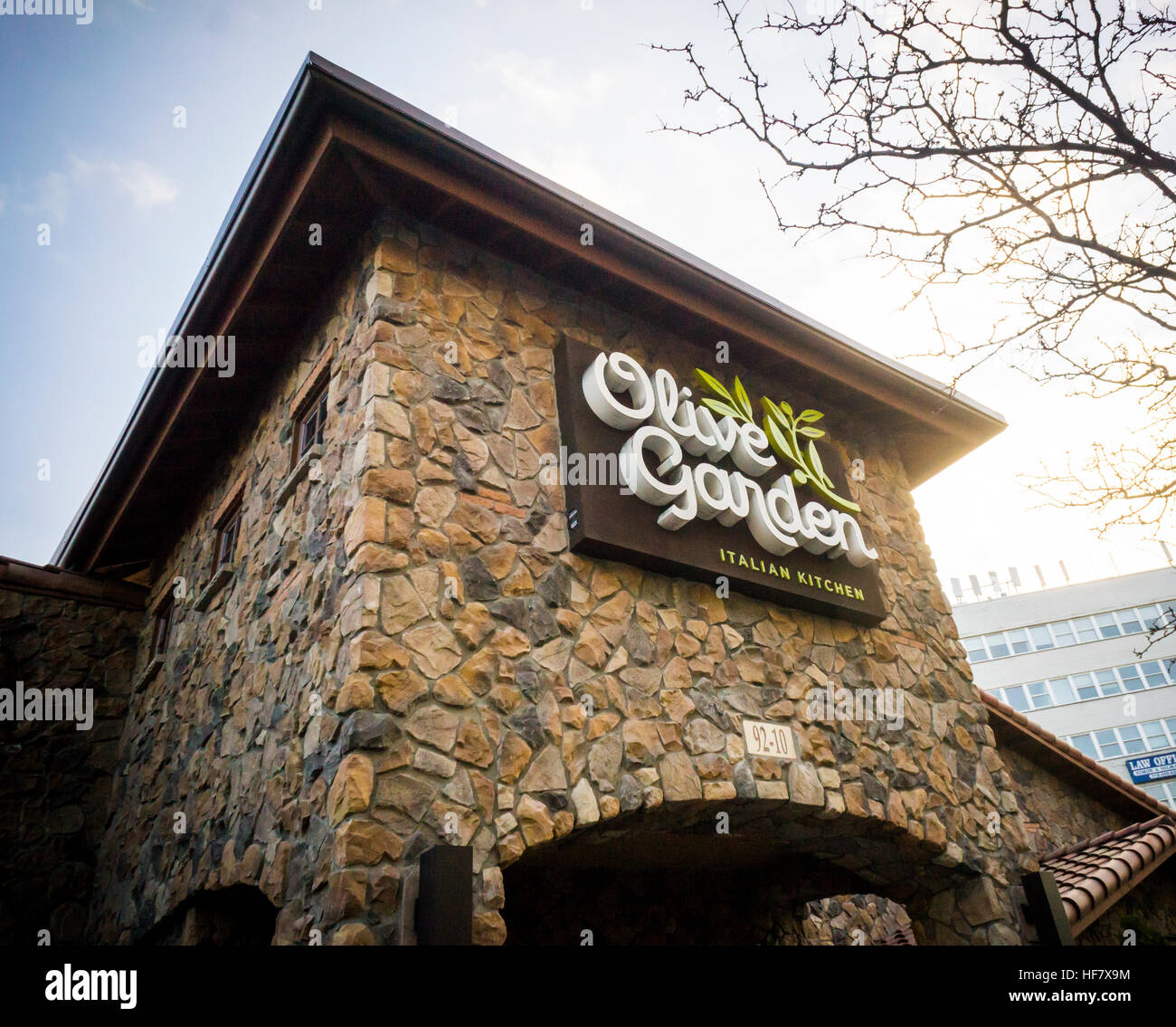 The Olive Garden casual dining restaurant in the borough of Queens ...