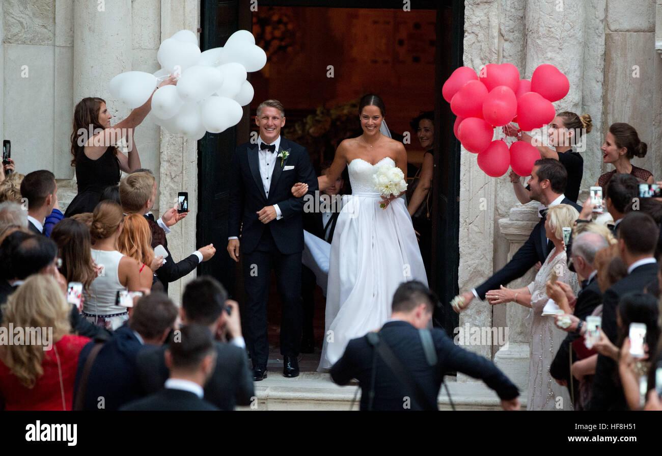 Venedig, Italy. 13th July, 2016. dpatopbilder Der Profifußballer Bastian Schweinsteiger und die Tennisspielerin - Stock Image