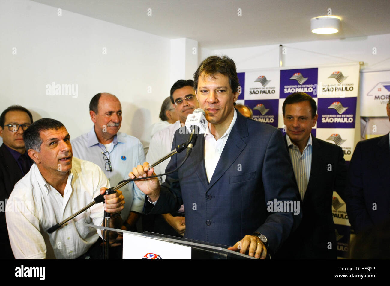 SÃO PAULO, SP - 29.12.2016: ENTREGA DE APARTAMENTOS DA PRIMEIRA PPP - Pictured Mayor Fernando Haddad. Governor Geraldo Alckmin delivered on the morning of Thursday (29), at Rua São Caetano in downtown São Paulo, 126 apartments of the first Public-Private Partnership (PPP) in the country housing for low-income families. They attended the event Mayor Fernando Haddad and the mayor elected John Doria. (Photo: Aloisio Mauricio/Fotoarena) Stock Photo