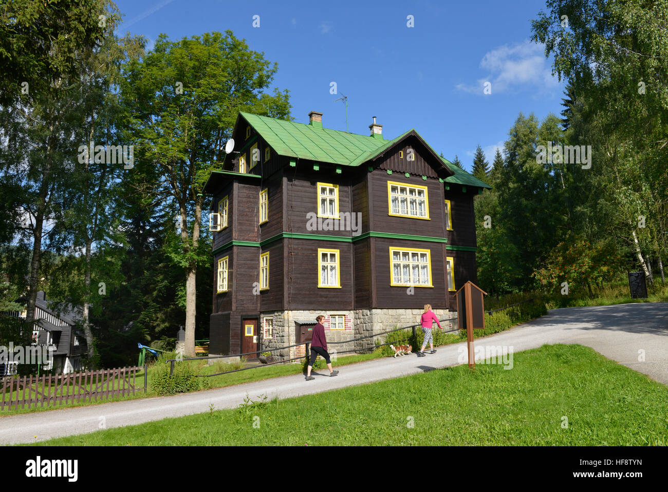 Holzhaus, Spindlersmuehle, Tschechien, Timber house, wooden spindle maker's mill, Czechia - Stock Image