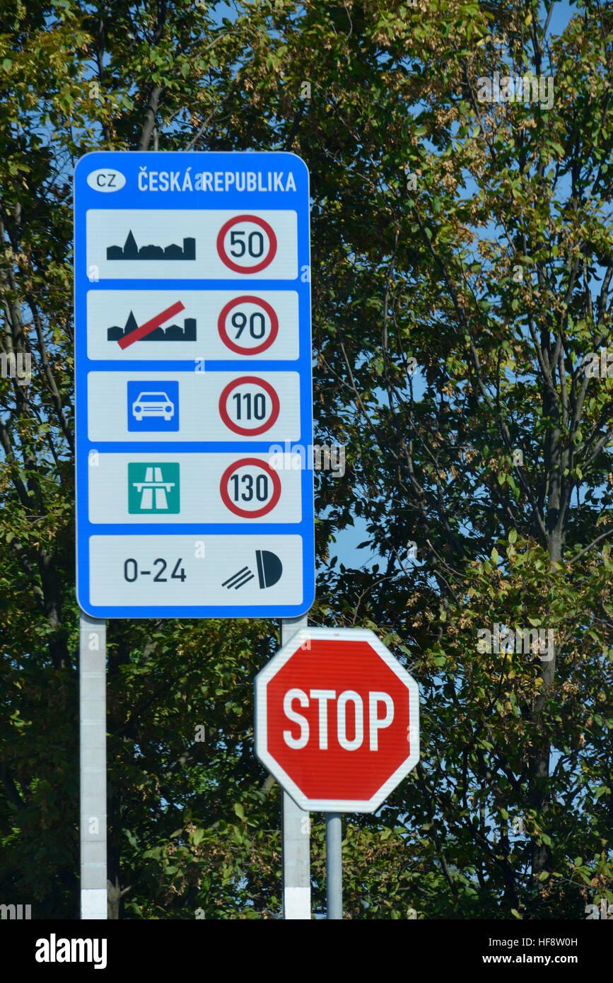 Strassenregeln, Autobahn, Tschechien, Street rules, highway, Czechia - Stock Image