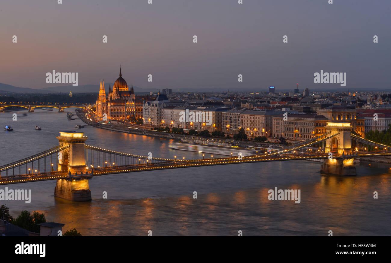 Kettenbruecke, Parlament, Donau, Budapest, Ungarn, Suspension bridge, parliament, the Danube, Hungarian Stock Photo
