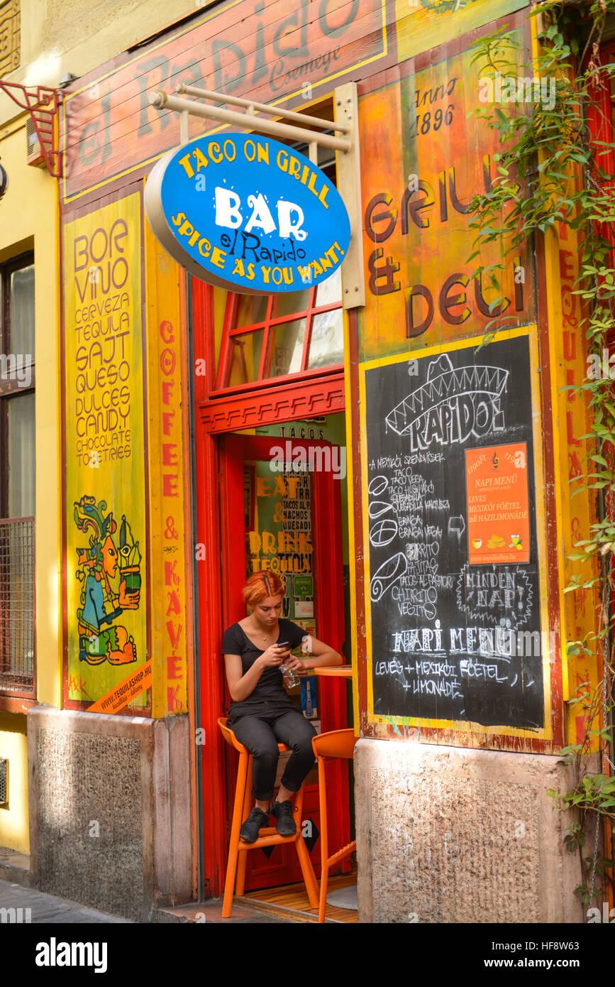 El Rapido, Kazinczy utca, Juedisches Viertel, Budapest, Ungarn, Jewish quarter, Hungarian - Stock Image