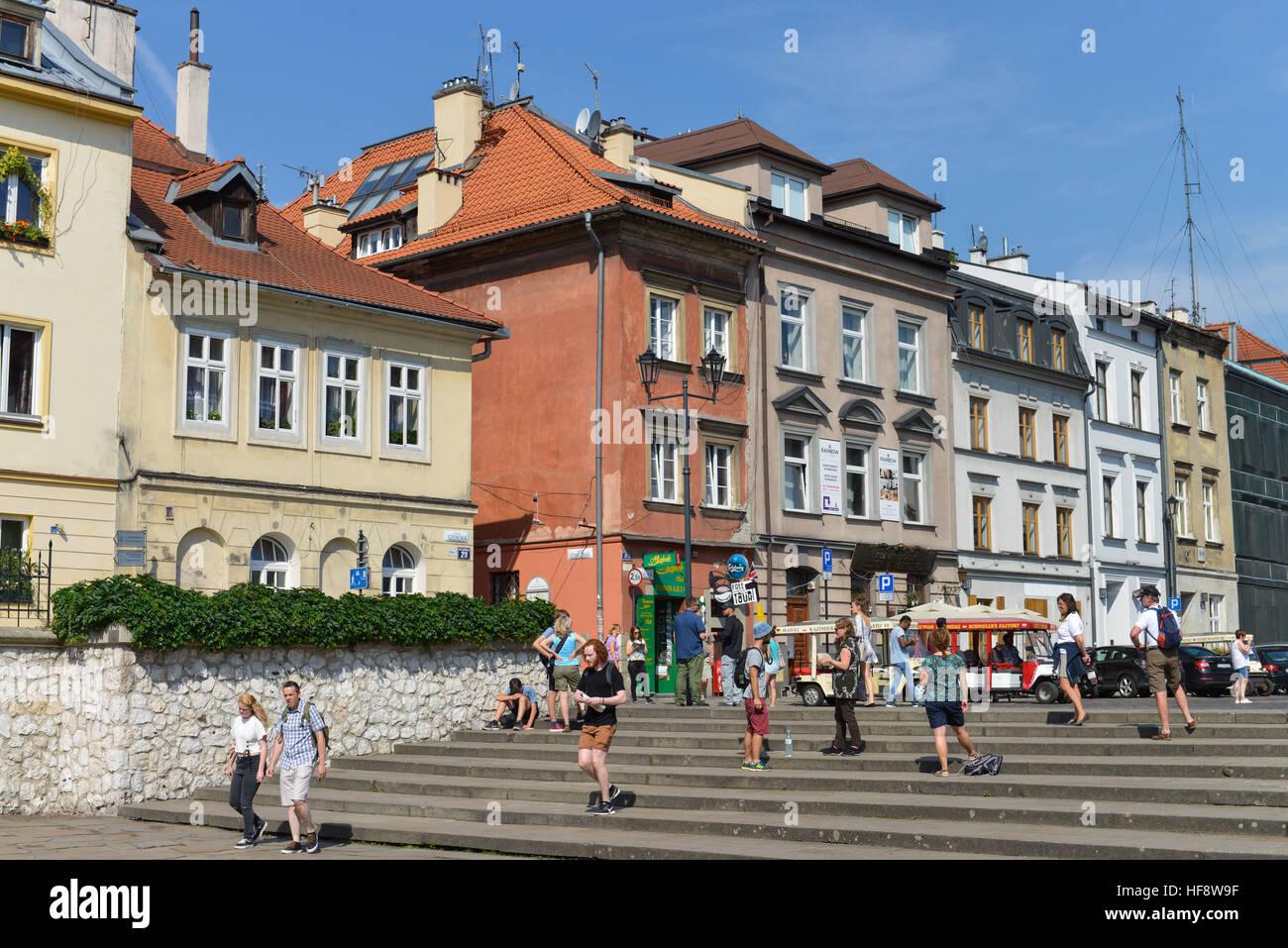 Touristen, Szeroka, Juedisches Viertel, Kazimierz, Krakau, Polen, Tourists, Jewish quarter, Cracow, Poland - Stock Image