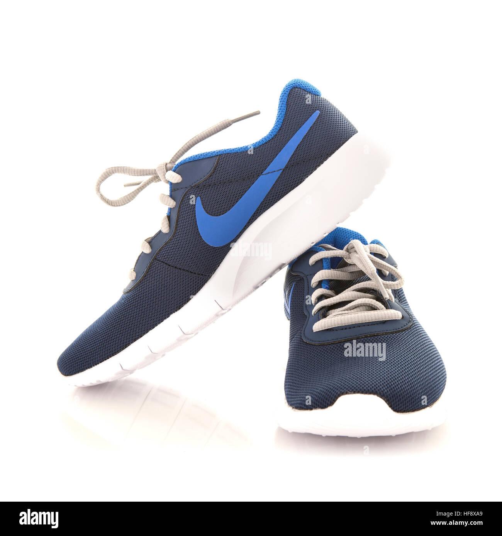 Nike Tanjun Trainers in blue 0c37a17fece