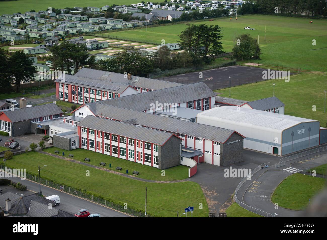 Secondary education in Wales: Ysgol Ardudwy secondary school building , Harlech, Gwynedd, Wales, UK, - Stock Image