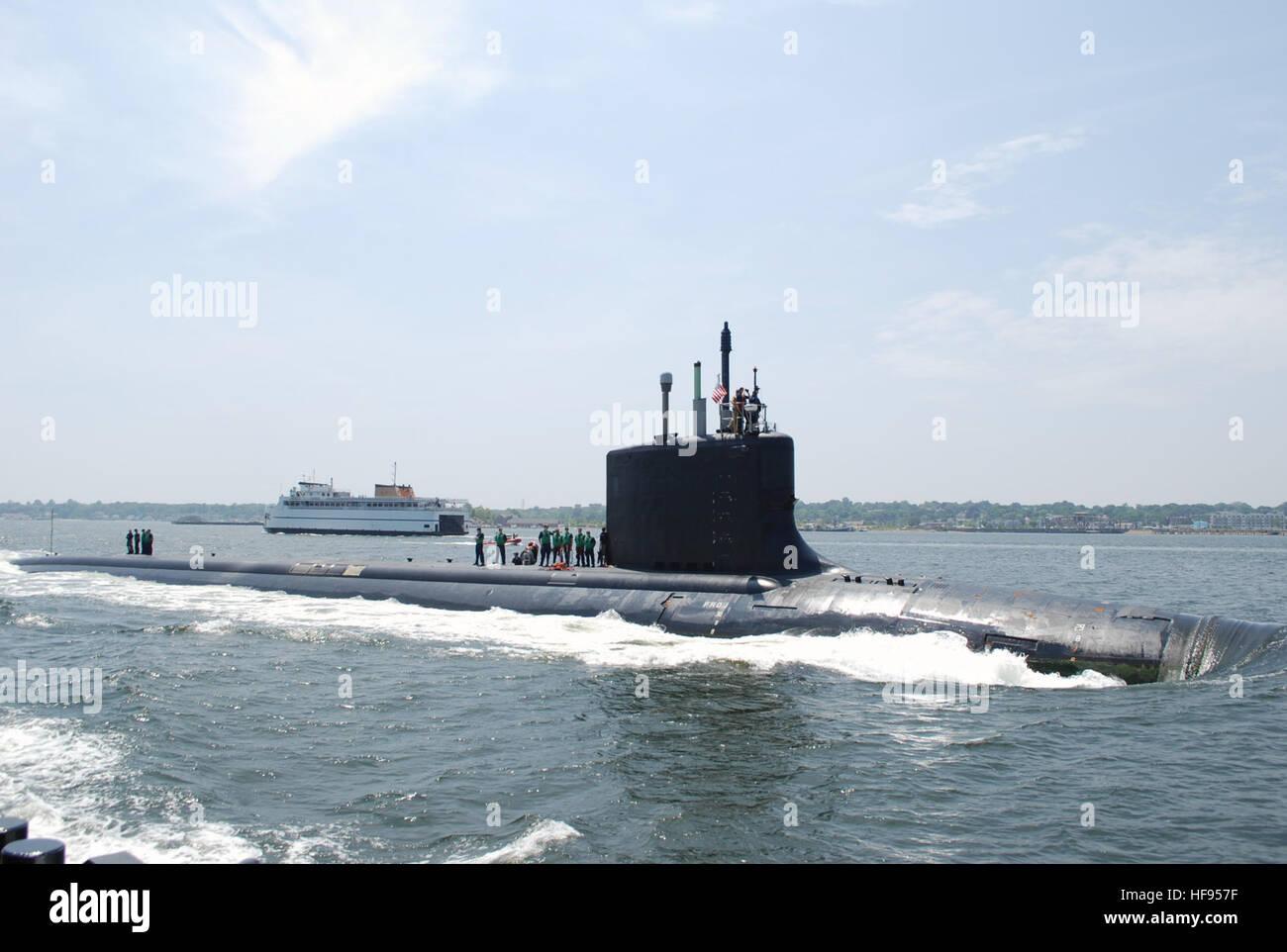 The Virginia-class attack submarine USS New Mexico (SSN 779