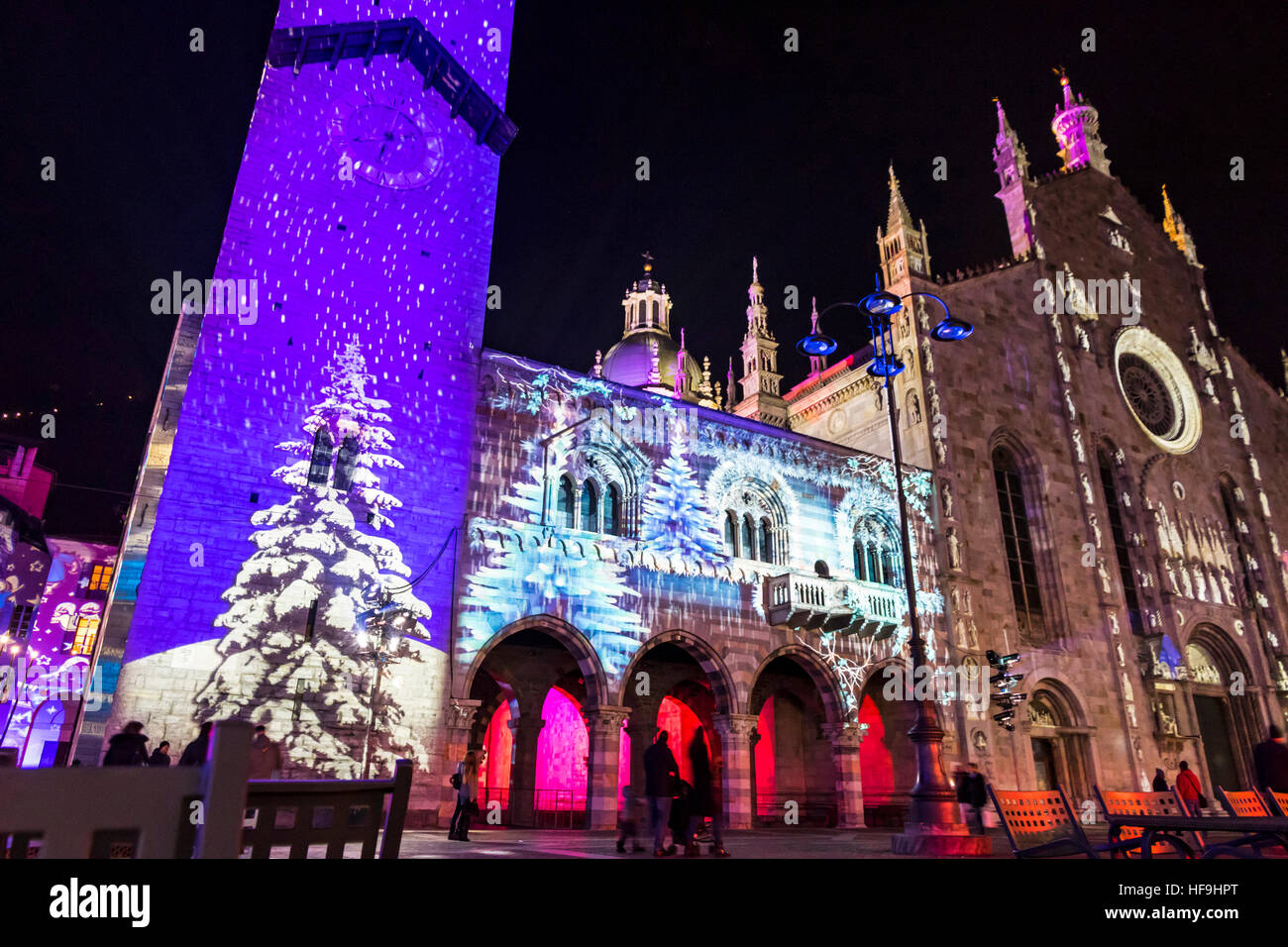 COMO, ITALY - DECEMBER 2, 2016: Festive Christmas decorations lights on facades of buildings on Piazza Duomo (Cathedral - Stock Image
