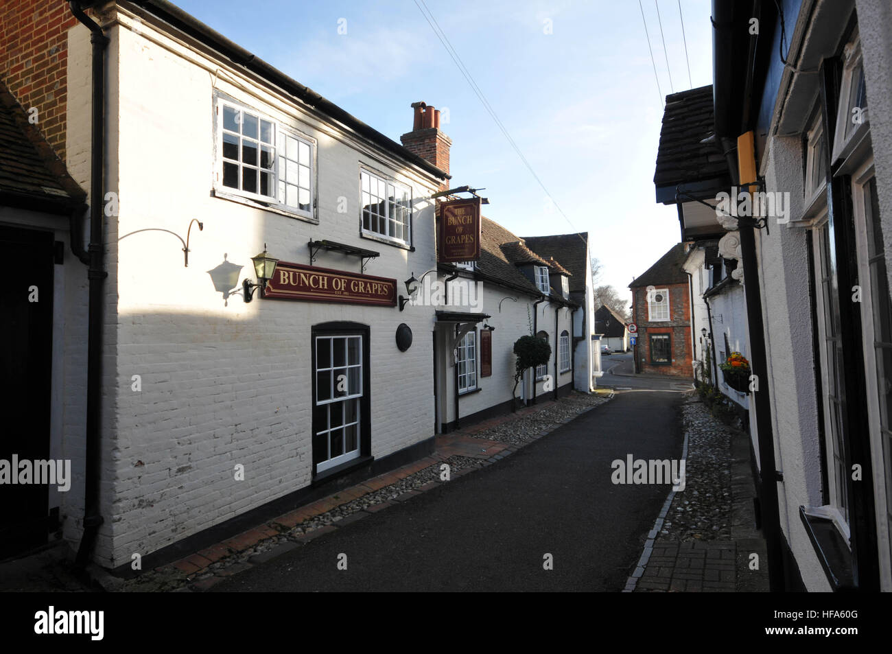 St Peters Street in Bishops Waltham, Bunch of grapes pub or Inn - Stock Image