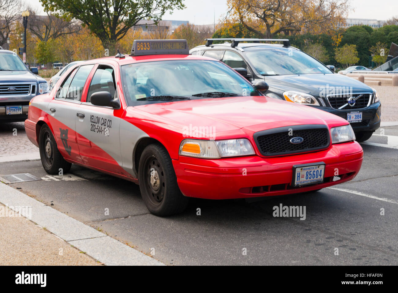 Ford Taxi Stock Photos Images Alamy 1949 Crown Victoria Usa Capital Washington Dc District Of Columbia Red Grey Gray Cab From The