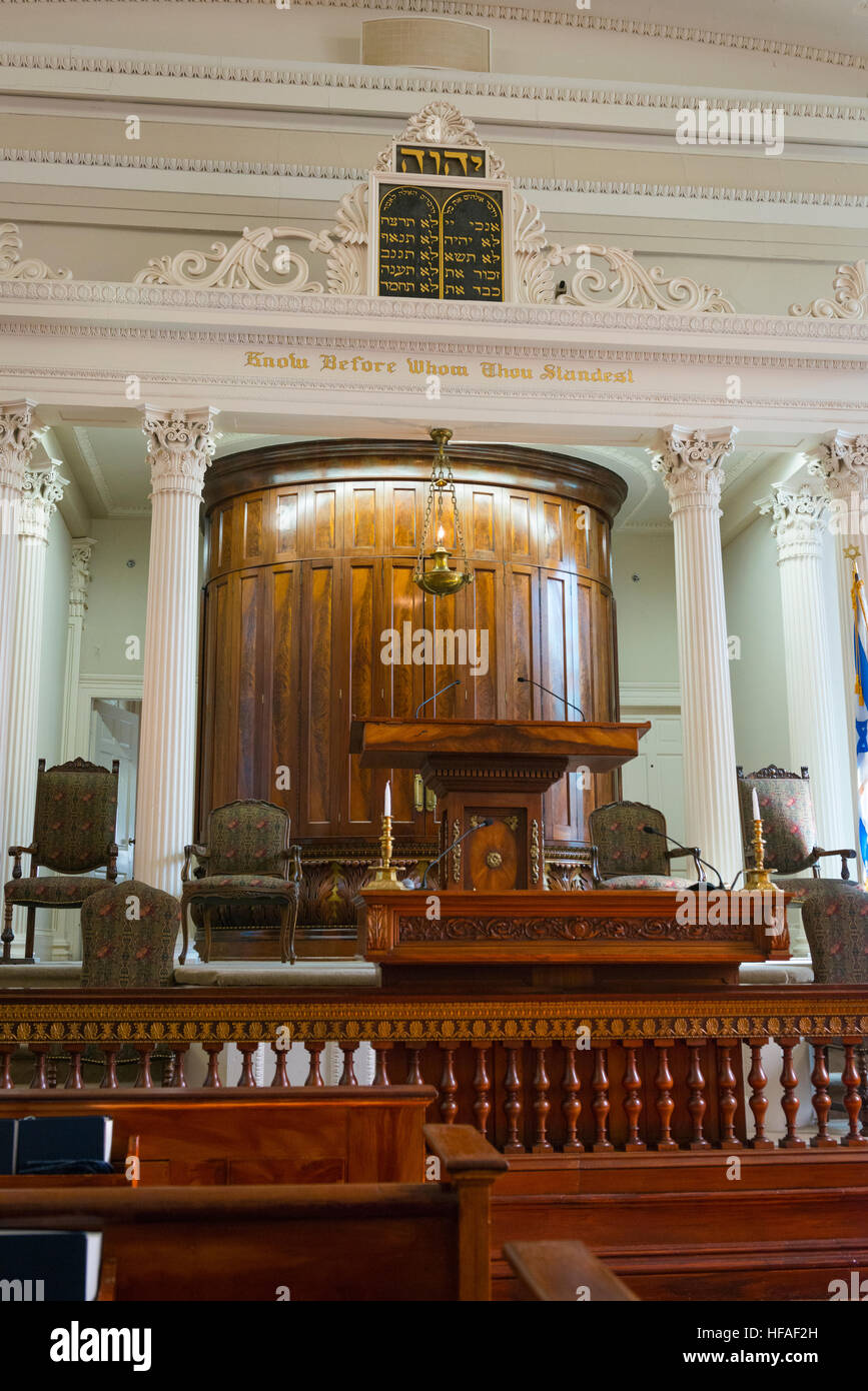 South Carolina Charleston Kahal Kadosh Beth Elohim built 1750 est 1695 cradle Reform Judaism 1824 Bimah ark pew - Stock Image
