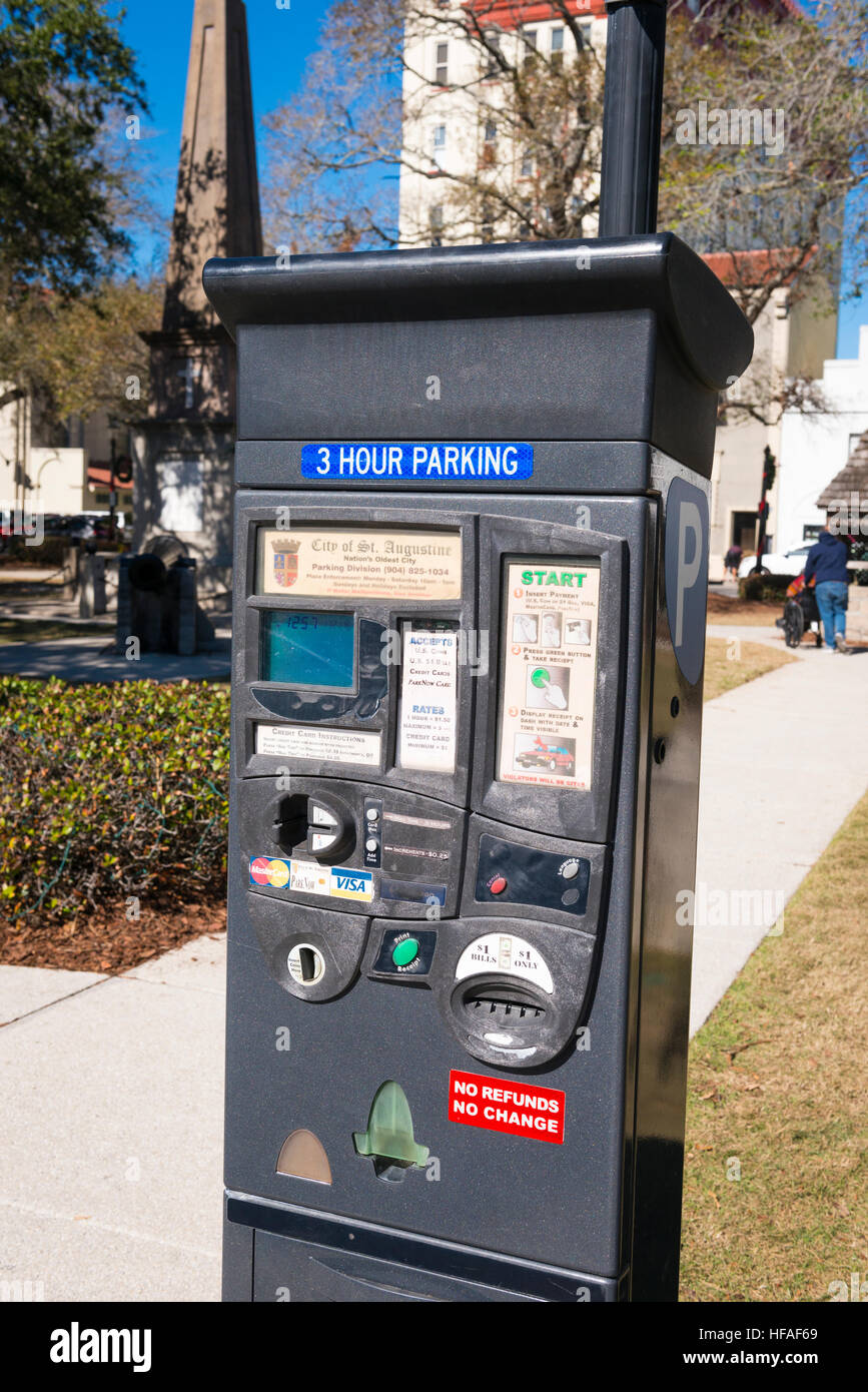 USA Florida St Augustine coin card bank note parking pay meter - Stock Image