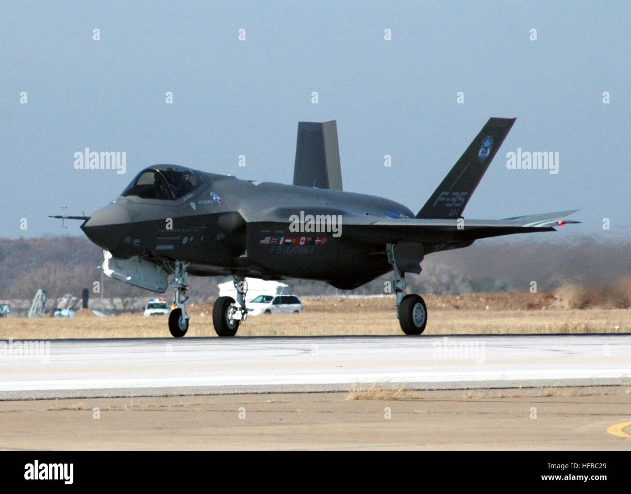 061215-N-8053S-229 Fort Worth, Texas (Dec. 15, 2006) - The F-35 Joint Strike Fighter Lightning II, built by Lockheed - Stock Image