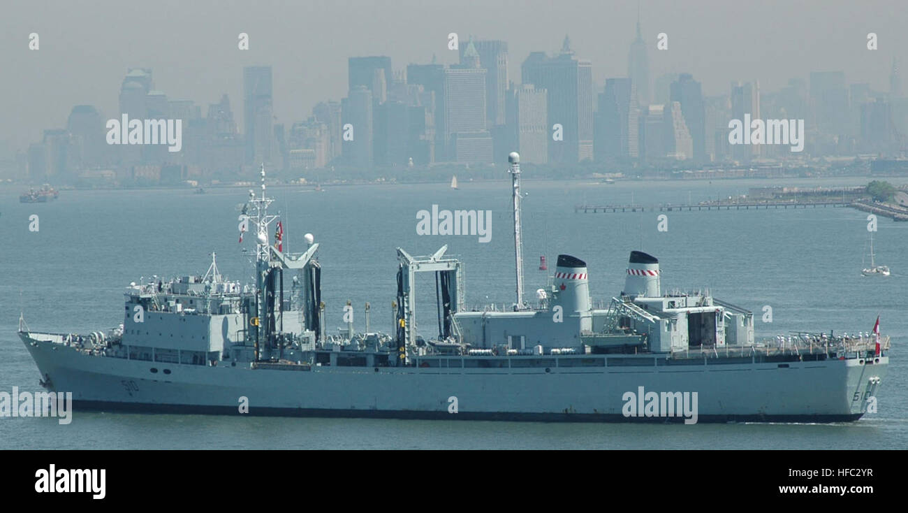 Canadian Armed Services Stock Photos & Canadian Armed Services Stock ...
