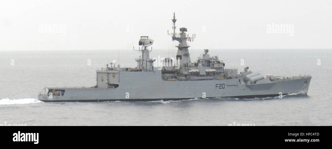 081020-N-1635S-004 INDIAN OCEAN (Oct. 20, 2008) The Indian Navy ship INS Godavari (F20) pulls away from the Military - Stock Image