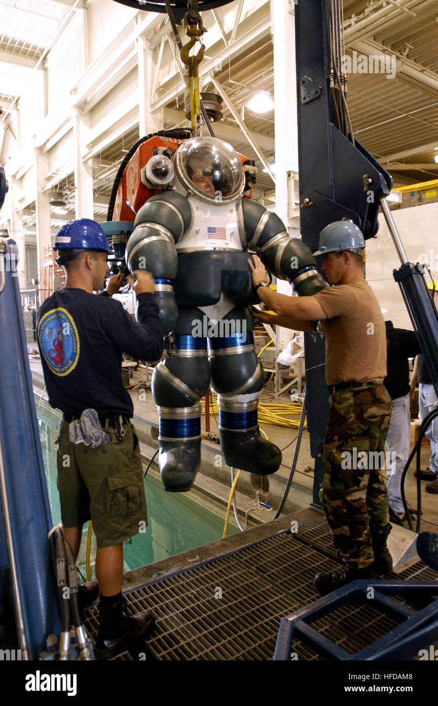 050503-N-1397H-090  San Diego, Calif. (May 3, 2005) - Machinist Mate 1st Class Kris Wotzka and Damage Control Man - Stock Image