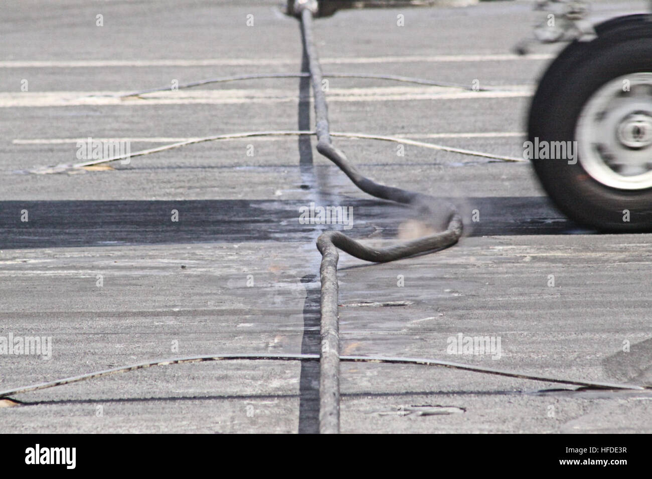 Aircraft Carrier 3-wire Stock Photo: 129988875 - Alamy