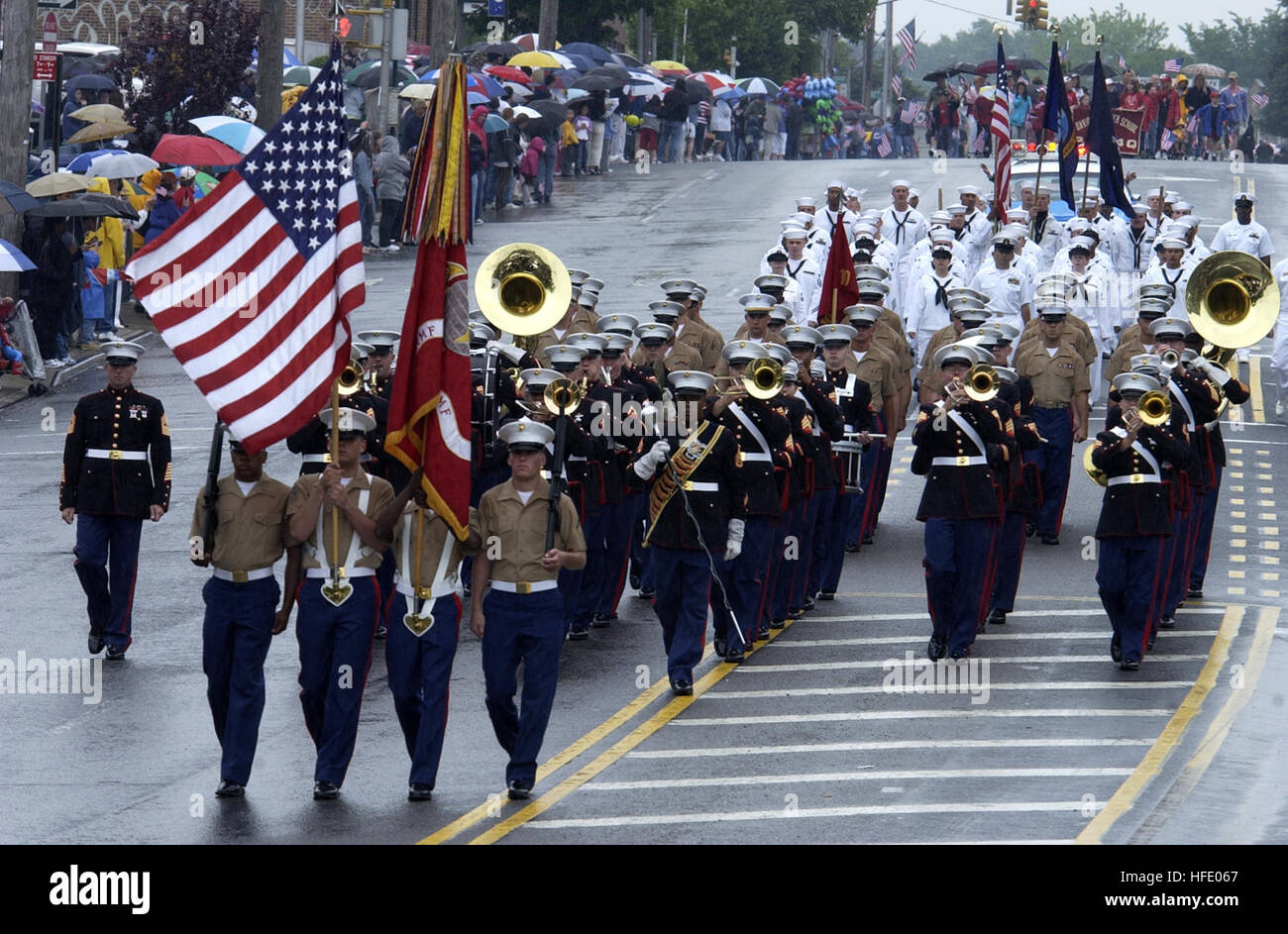 040531-N-6371Q-223 New York City, N.Y. (May 31, 2004) - Marines and Sailors march in the Little Neck Memorial Day Stock Photo
