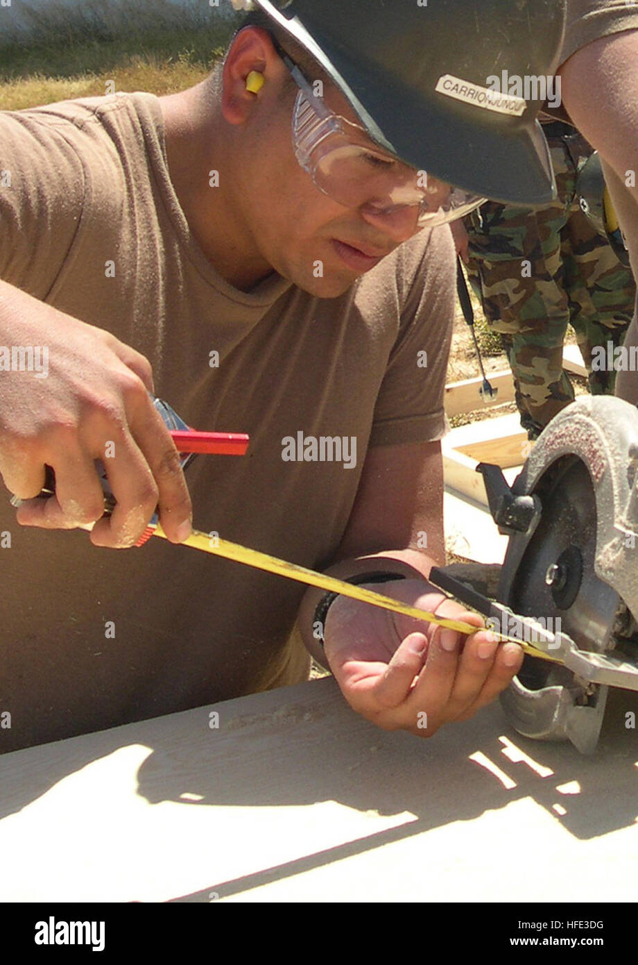 040818-N-1594R-002 Rota, Spain (Aug. 18, 2004) Ð Builder Constructionman Luis Carrionjunqui, assigned to Naval - Stock Image