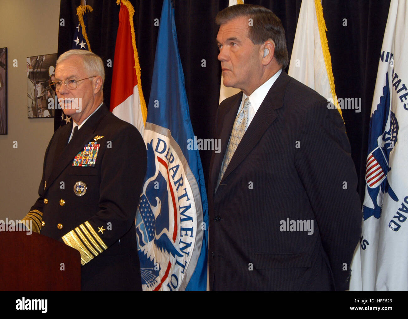 041117-N-2227W-003 Peterson Air Force Base, Colo. (Nov. 17, 2004) - Commander, North American Aerospace Defense - Stock Image
