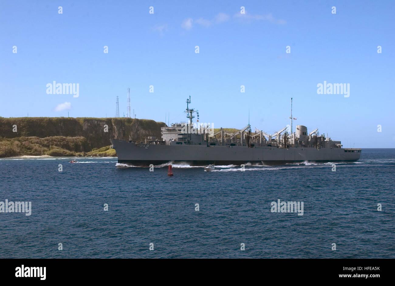 050221-N-4658L-197 Santa Rita, Guam (Feb. 21, 2005) - The fast combat support ship USS Camden (AOE 2) enters Apra - Stock Image