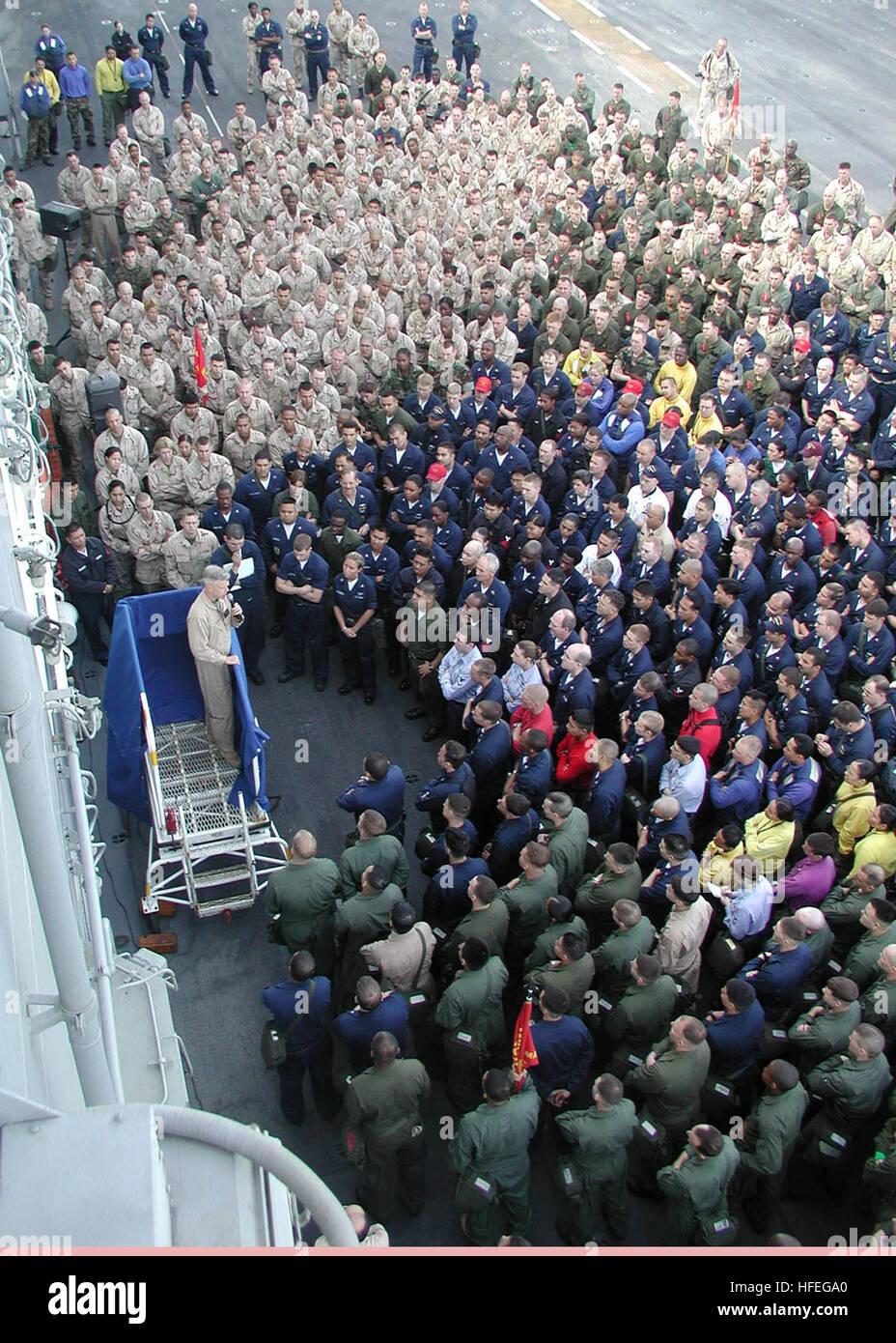 030305-N-6197C-002 Arabian Sea (Mar. 5, 2003) -- Maj. Gen. James F. Amos addresses the Sailors and Marines of USS Stock Photo