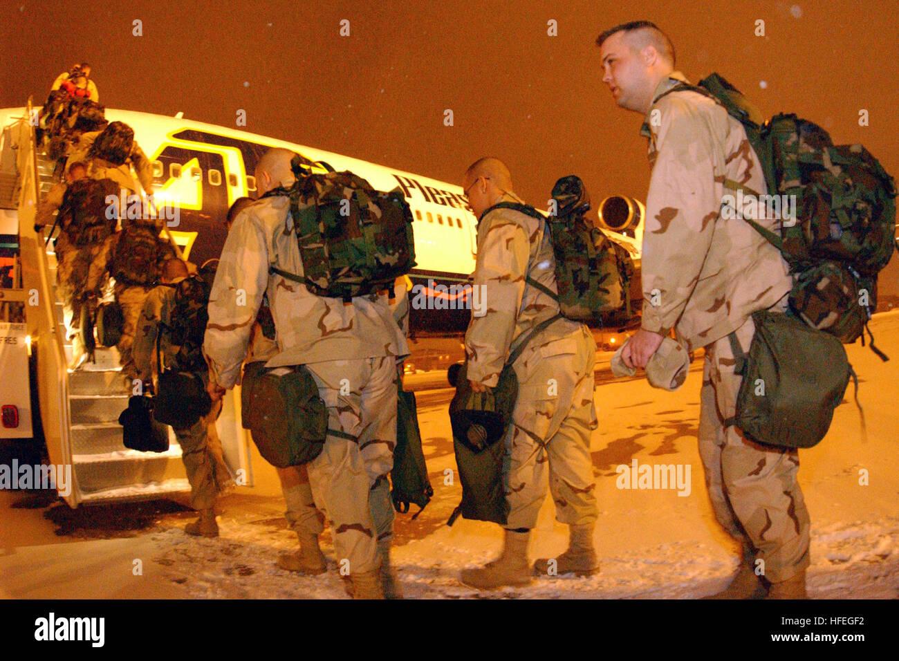 030313-N-5576W-001       Milwaukee, Wis. (Mar. 13, 2003) -- U.S. Marines assigned to Marine Wing Communications - Stock Image