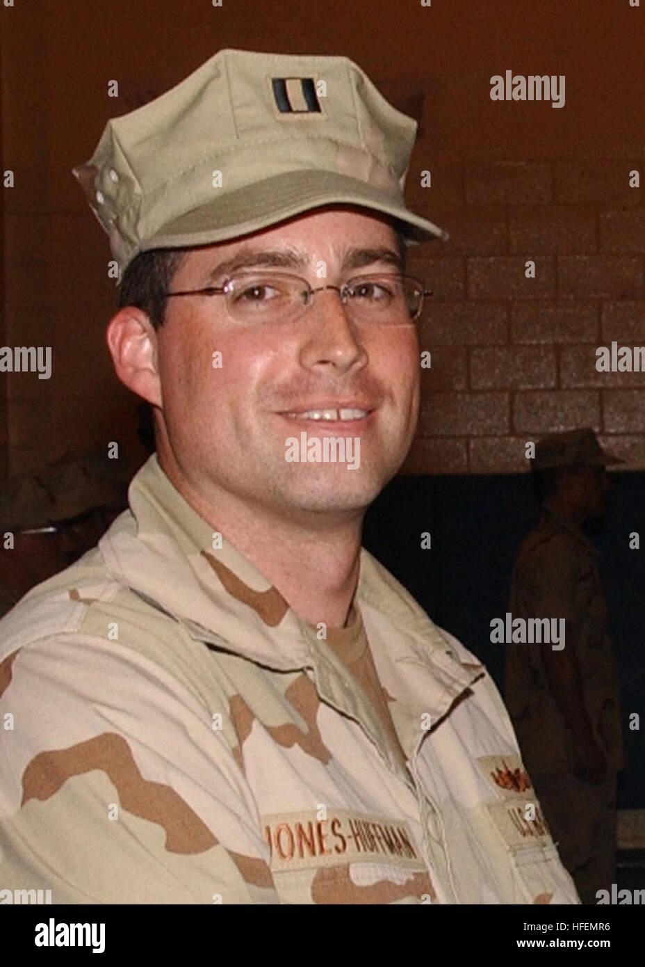 030825-N-7572F-001 Manama, Bahrain (Aug. 25, 2003) -- Lt. Kylan A. Jones-Huffman, 31, from Aptos, Calif., was killed - Stock Image