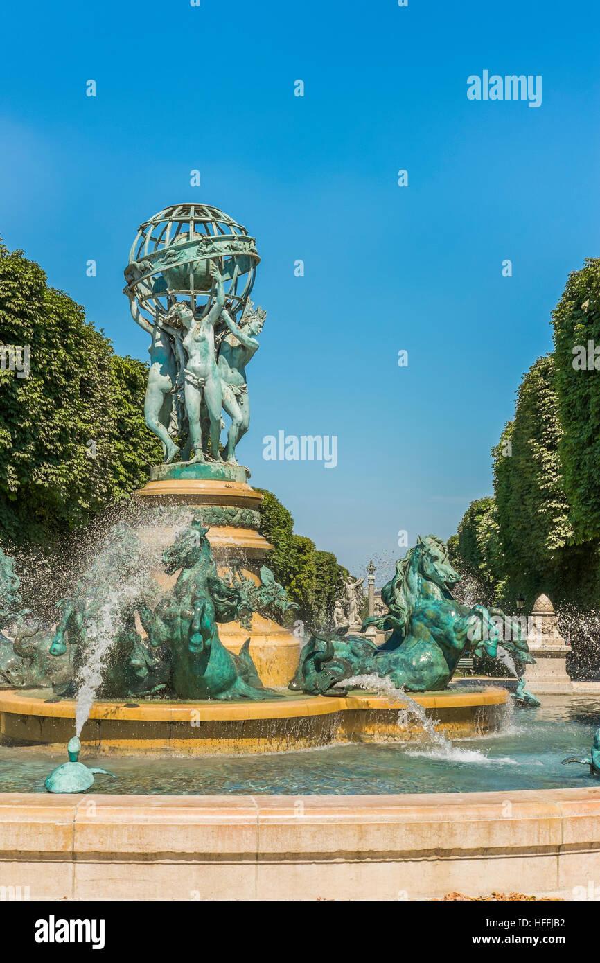 fontaine de l´observatoire, jardin marco polo Stock Photo: 130036118 ...