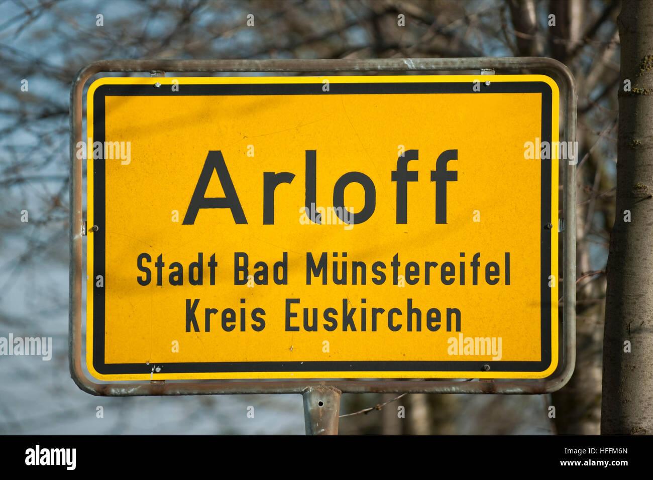 Deutschland, Nordrhein-Westfalen, Kreis Euskirchen, Bad Münstereifel, Ortsteil Arloff, Ortsschild Stock Photo