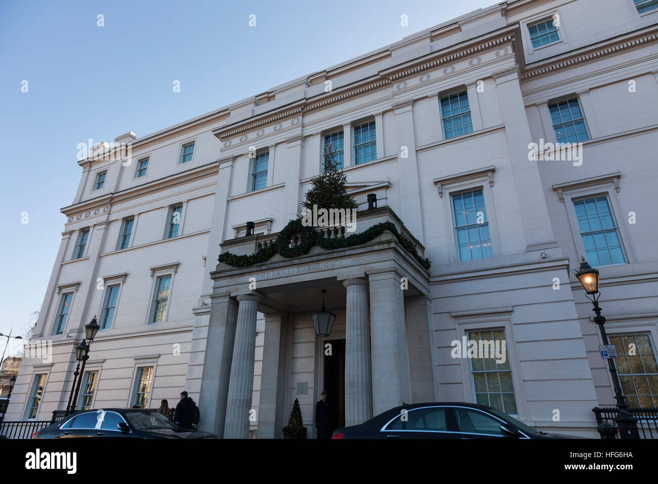 The Lanesborough Hotel on the corner of Knightsbridge and Hyde Park Corner - Stock Image