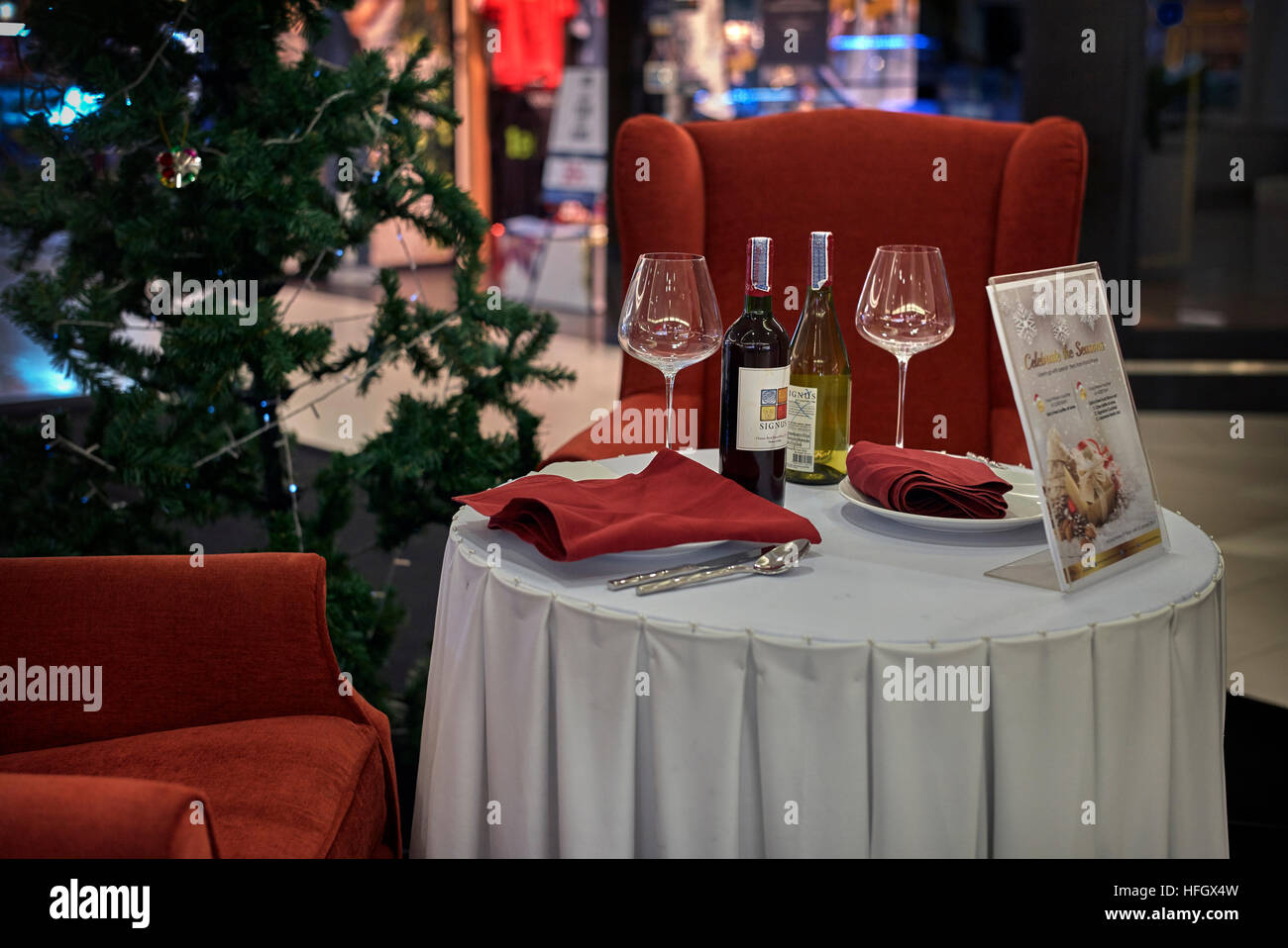 Restaurant Advertising Table Layout With Wine Bottles And Glasses - Restaurant table advertising