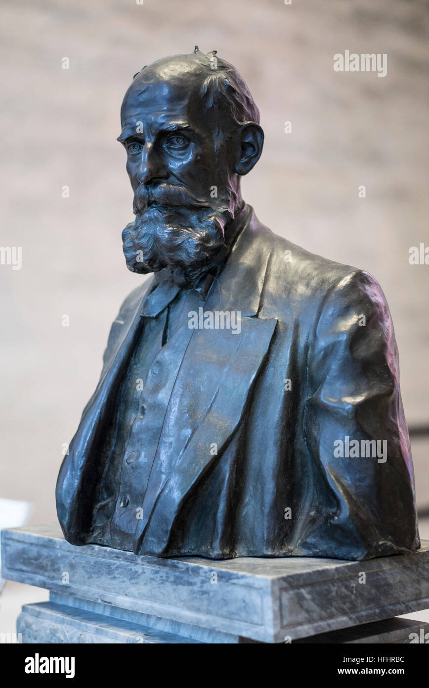 Rome. Italy. Bronze bust of Luigi Pigorini (1842–1925), Museo Nazionale Preistorico Etnografico L. Pigorini. - Stock Image