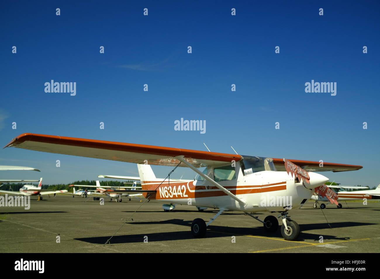 Cessna 150 Stock Photos & Cessna 150 Stock Images - Alamy